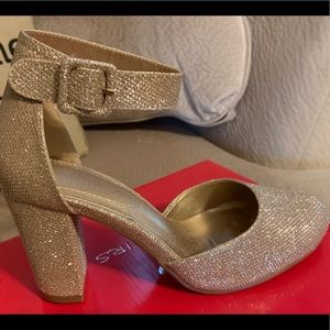 Dream Pairs Gold Glitter Dress Shoes